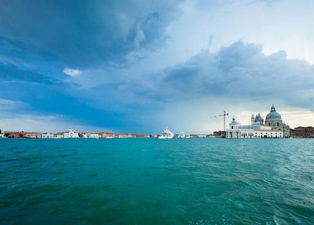 Mooi zomer venetiaans zeezicht, venetië, italië