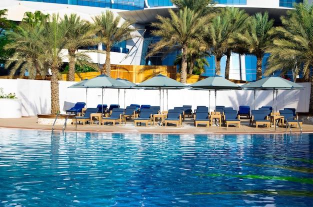 Mooi zwembad in hotel
