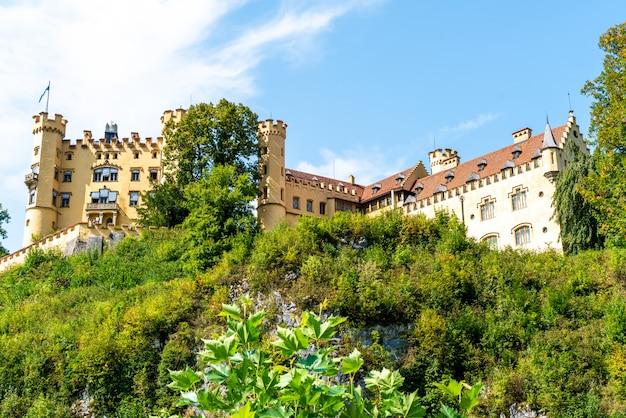Mooie architectuur bij hohenschwangau-kasteel in de beierse alpen van duitsland
