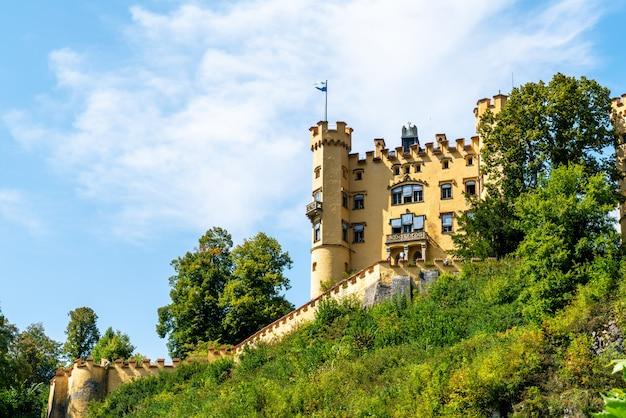 Mooie architectuur bij kasteel hohenschwangau in de beierse alpen van duitsland