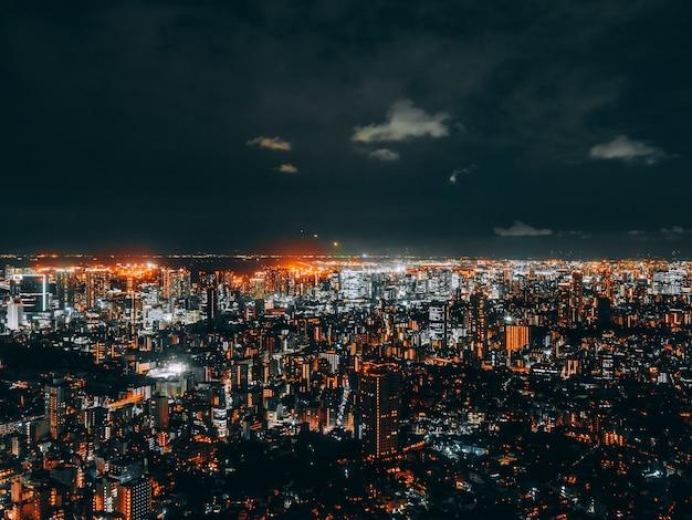 Mooie architectuur en de bouw van tokyo cityscape