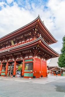 Mooie architectuur in sensoji tempel in asakusa gebied in japan