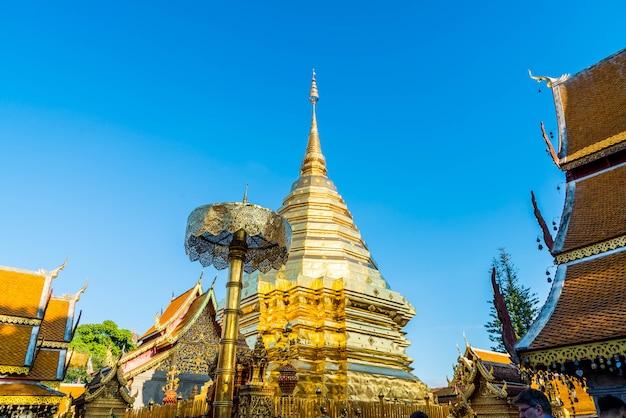 Mooie architectuur in wat phra that doi suthep in chiang mai