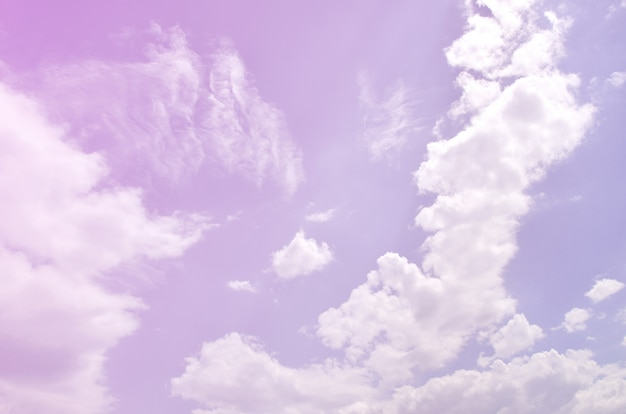 Mooie blauwe hemelachtergrond