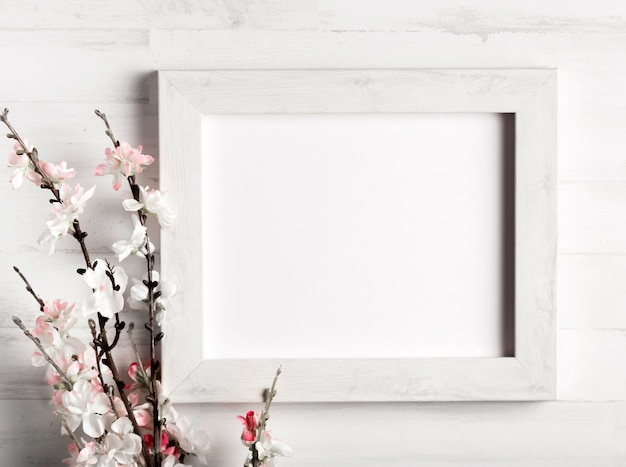 Mooie bloem en een frame op houten muur