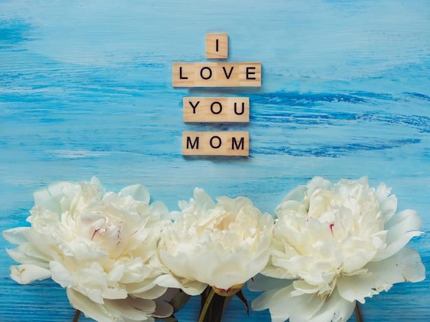 Mooie bloemen en woorden van liefde voor moeder