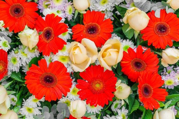 Mooie bloemen voor valentijnsdag en bruiloft scene