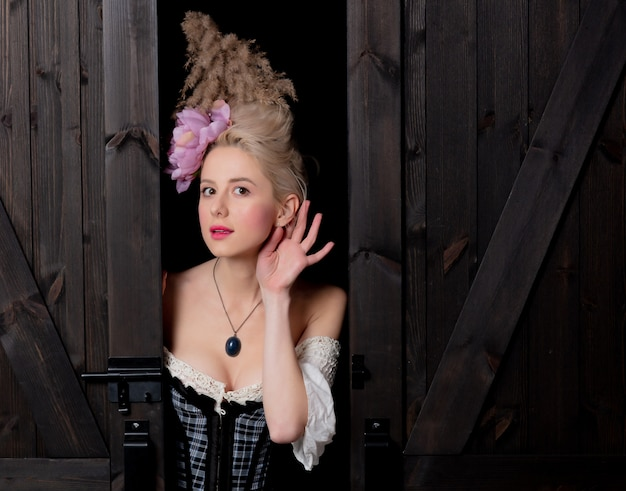 Mooie blonde gravin