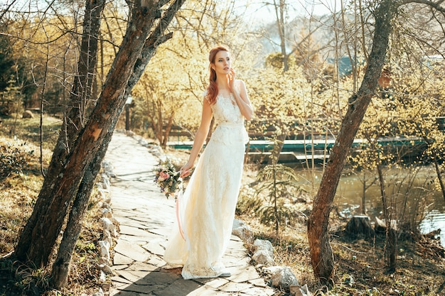 Mooie bruid in trouwdag
