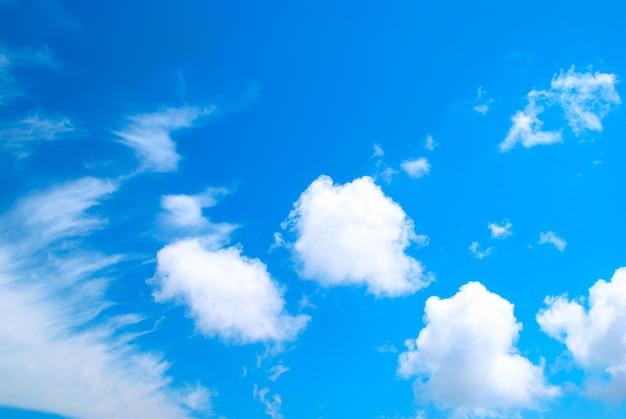 Mooie cloudscape kan worden gebruikt als ondergrond