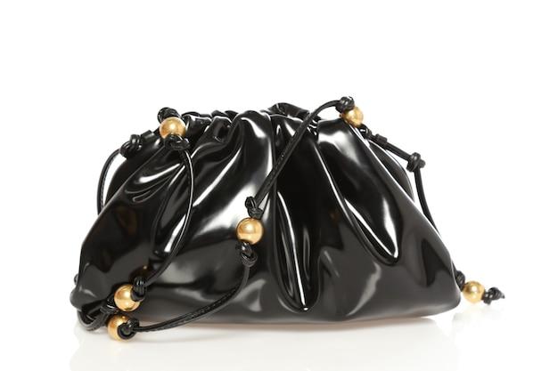 Mooie elegantie en luxe mode vrouwen zwarte tas geïsoleerd op een witte achtergrond