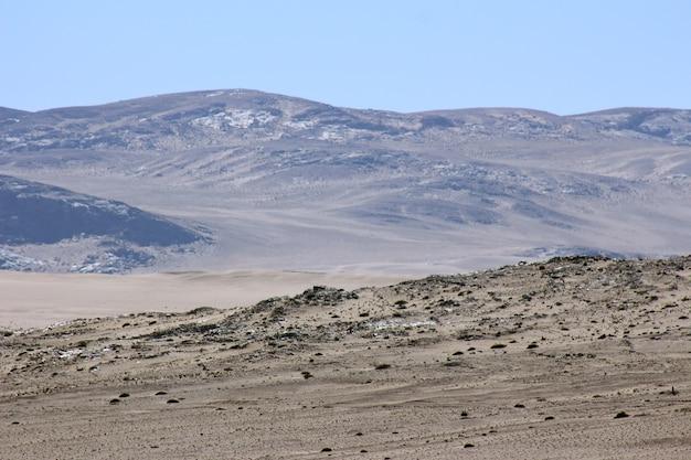 Mooie en kleurrijke bergen van namibië