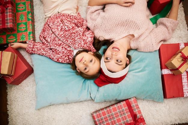 Mooie familieportret anticiperen op kerstmis