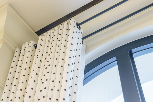 Mooie gordijnen met ring-top rail, gordijn interieur in de woonkamer