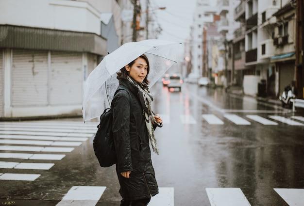 Mooie japanse vrouw, levensstijl momenten op straat