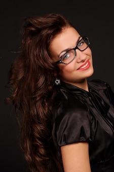 Mooie jonge en aantrekkelijke vrouw