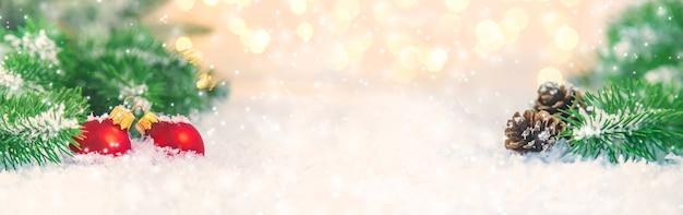 Mooie kerst achtergrond. selectieve aandacht viering