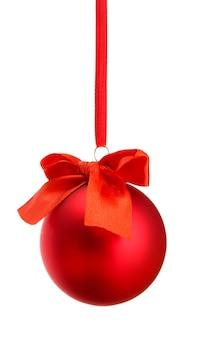 Mooie kerstbal, geïsoleerd op wit