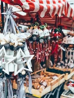Mooie kerstboomdecoratie
