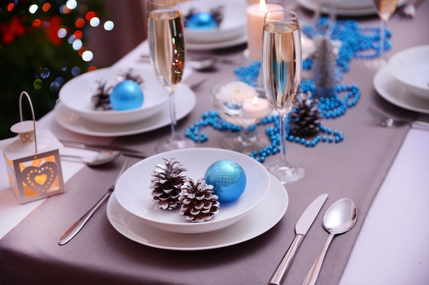 Mooie kersttafelaankleding