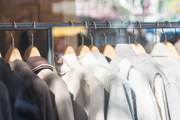 Mooie kleren in winkelen