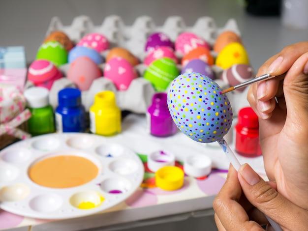 Mooie kunst op eieren in pasen-festival