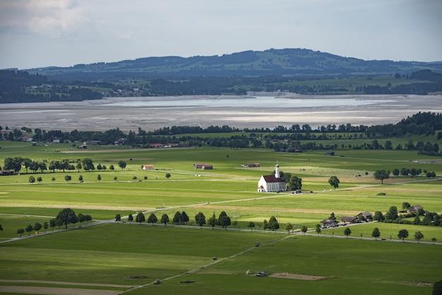 Mooie luchtfoto van schwangau, duitsland