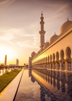Mooie moskee in abu dhabi sheikh zayed grand mosque verenigde arabische emiraten