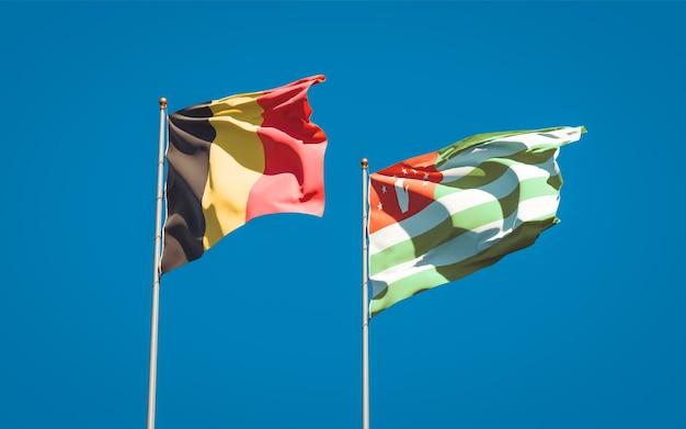 Mooie nationale vlaggen van abchazië en belgië samen