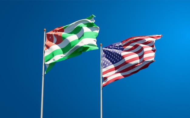 Mooie nationale vlaggen van de vs en abchazië samen