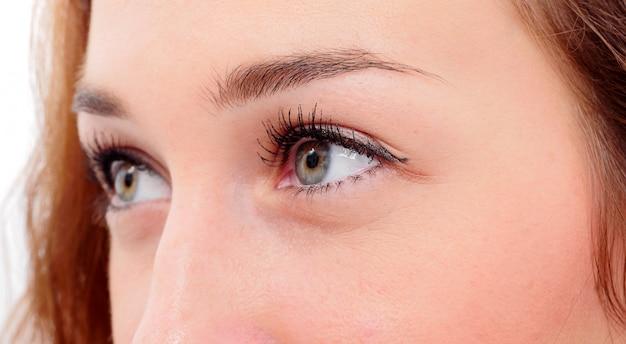Mooie ogen jonge vrouw