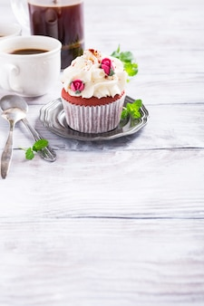 Mooie rode fluwelen cupcake