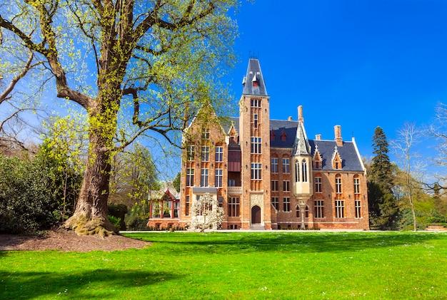 Mooie romantische kastelen van belgië