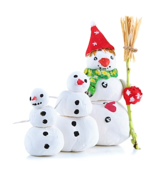 Mooie sneeuwmannen geïsoleerd op wit