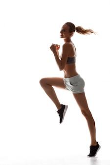 Mooie sportieve vrouw opleiding