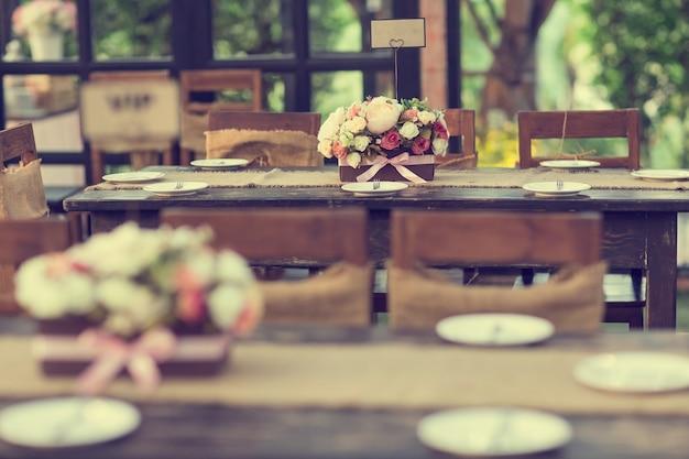 Mooie tafel instelling voor een evenement feest of bruiloft vieren