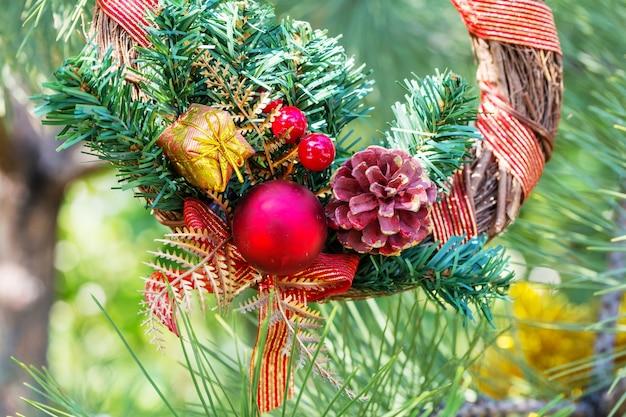Mooie traditionele kerstdecor close-up