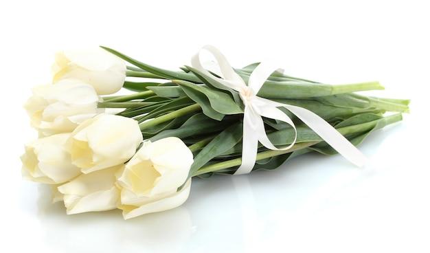 Mooie tulpen geïsoleerd op wit
