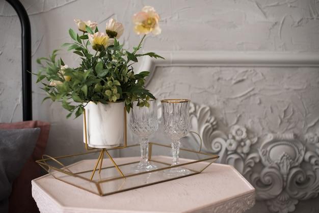 Mooie vintage huwelijksdecoratie met champagne