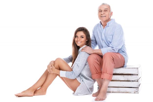 Mooie vrouw en haar bejaarde vader