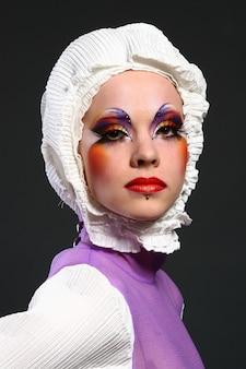 Mooie vrouw in mode beeld