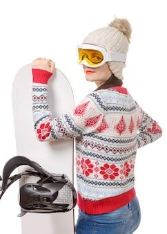 Mooie vrouw met een snowboard in de studio