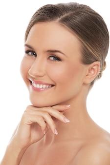 Mooie vrouw met perfecte huid