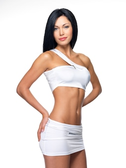 Mooie vrouw met sportief slank lichaam