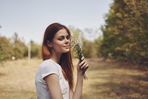Mooie vrouw reizen vakantie planten natuur levensstijl zomer