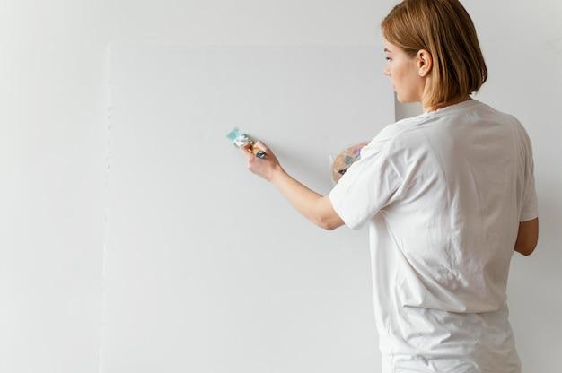 Mooie vrouw schilderij met acrylverf op canvas