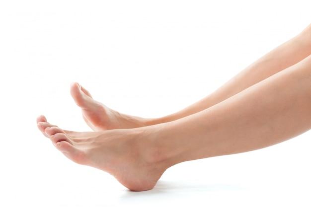 Mooie vrouwen voeten geïsoleerd