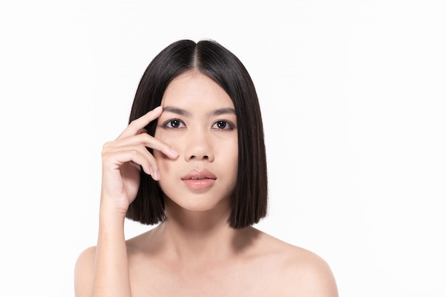Mooie vrouwen zorgen voor de gezondheid van de huid