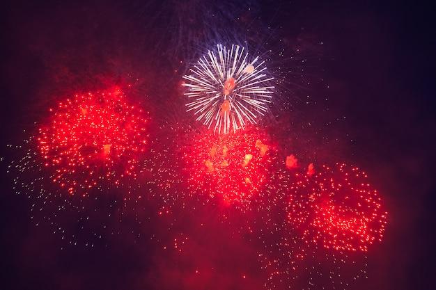 Mooie vuurwerkshow 's nachts
