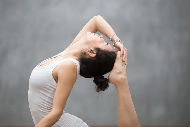 Mooie yoga-backbend